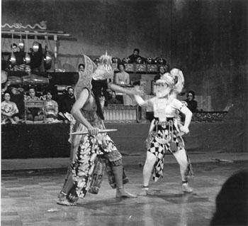 ramayana 1974 rahwana fights hanoman
