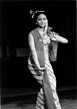 tarian 1975 martati gambyong